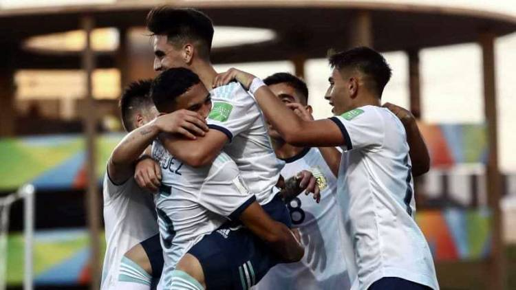 ARGENTINA OBTUVO EL PASAJE A LA SIGUIENTE RONDA DEL MUNDIAL SUB 17: DERROTÓ 3-1 A TAYIKISTÁN