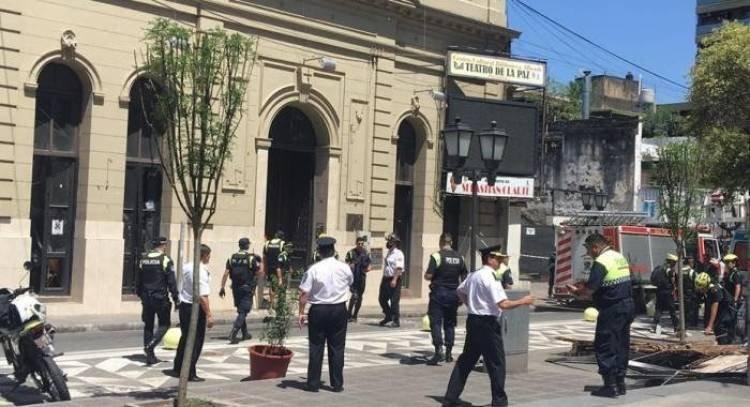TUCUMÁN: SE DERRUMBÓ EL TECHO DEL TEATRO DE LA PAZ